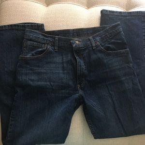 Wrangler regular fit solid blue jeans